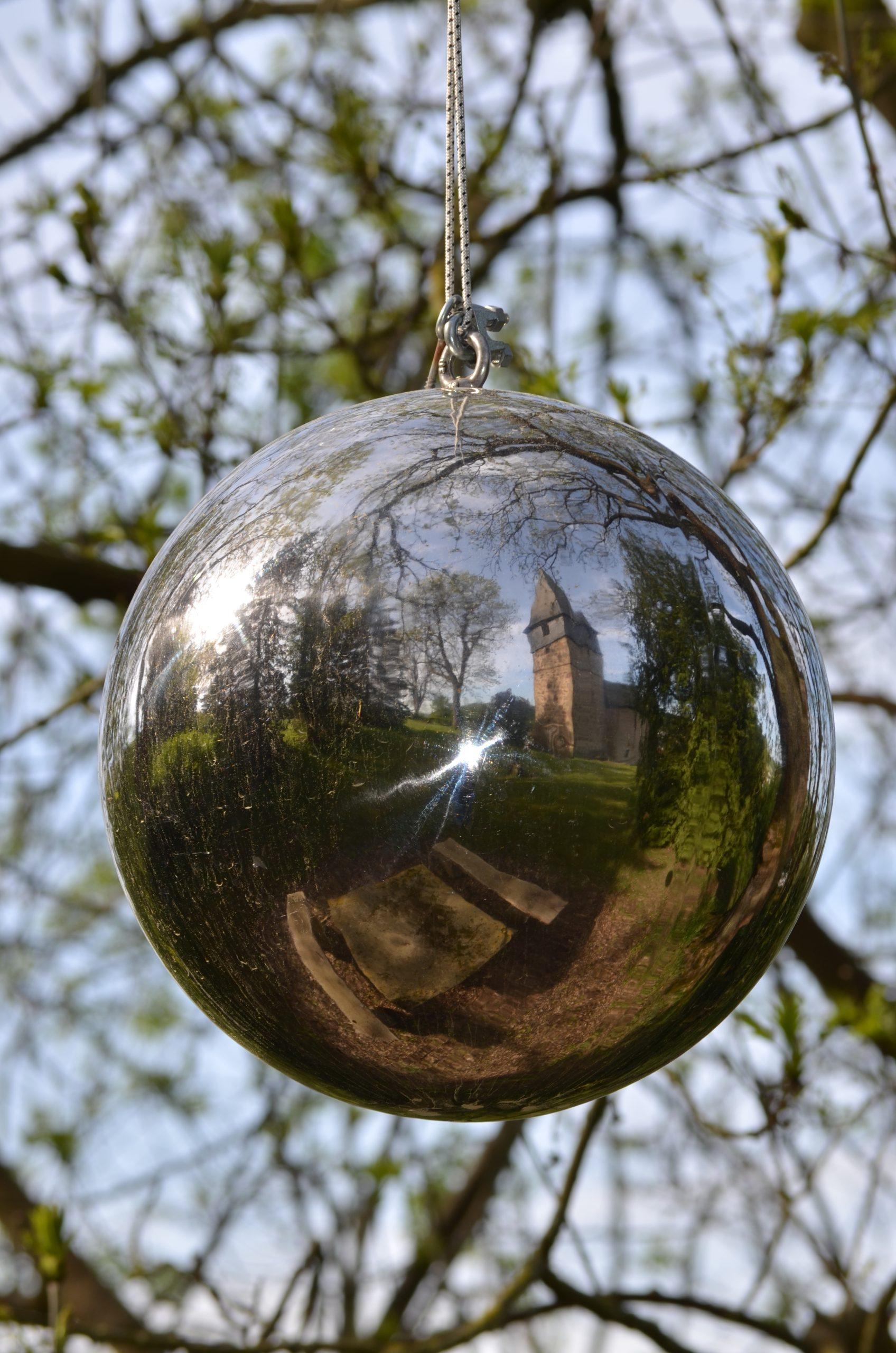 Kunst am Baum - Kirche Remsfeld